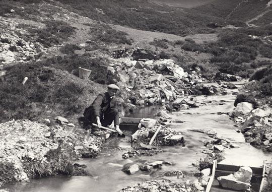 John Weir Sluicing for gold in Windygates Burn