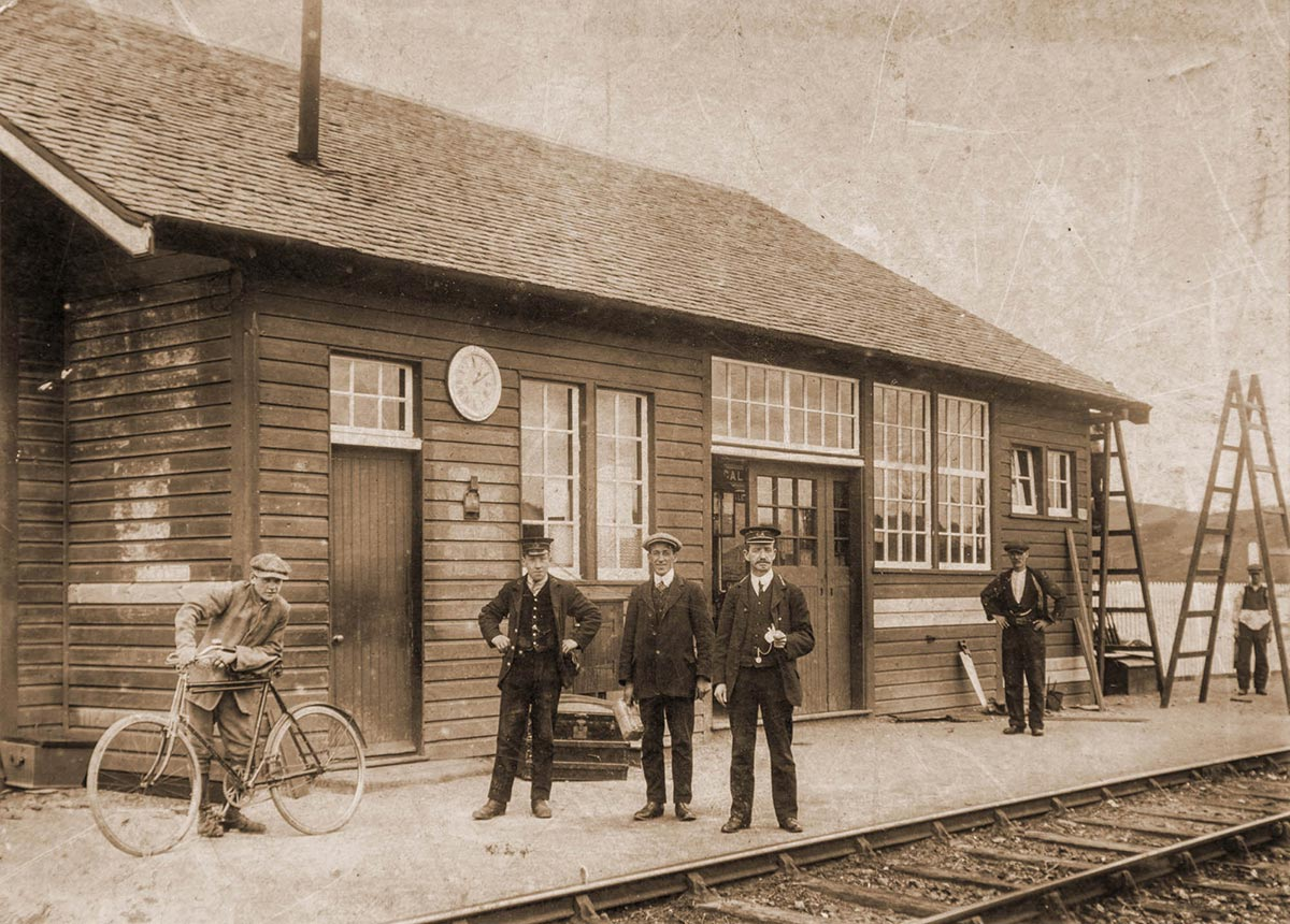 Leadhills Railway Station c.1920